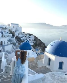 Oia Santorini, Santorini Island, Days Out, Outfit Of The Day, Greece, Places To Visit, Marriage, Adventure, Stylish