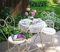 Gallery of Interesting Shabby Chic Patio Furniture For Your Small Patio Decoration Ideas with Shabby Chic Patio Furniture Shabby Chic Patio, Shabby Chic Decor, Apartment Herb Gardens, Bistro Patio Set, Fresco, Small Patio Design, Garden Cafe, Patio Shade, Outdoor Furniture Sets