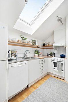 Dachgeschosswohnung kücheneinrichtung dachschräge deko ideen küche25