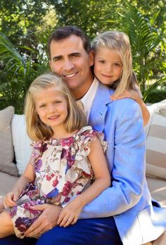 The Spanish Royal Court released two new photos of Prince Felipe together with his daughters Leonor and Sofia.The pictures were taken on the 40th birthday of Princess Letizia  on August 1st 2012.