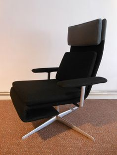 Lievore Altherr Molina Verzelloni RLX lounge chair