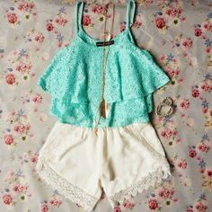 Gorgeous white lace skirt with top mint lace awesome blouse and golden chain necklace and braslate the best summer teenage fashion Ғσℓℓσω ғσя мσяɛ ɢяɛαт ριиƨ Ғσℓℓσω: нттρ://ωωω.ριитɛяɛƨт.cσм/мαяιαннαммσи∂/