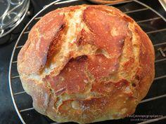 Καλό μήνα με υγεία, εύχομαι σε όλους τους φίλους μου! Θα ενθουσιαστείτε με το υπέροχο τραγανό ψωμί που σας προτείνω, δε...