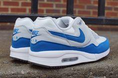 NIKE AIR MAX LIGHT (MILITARY BLUE)   Sneaker Freaker