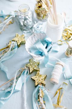 Cinderella Party favors. Golden star wands