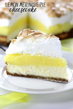 Lemon Meringue Pie Cheesecake – Spend With Pennies Lemon Meringue Pie Cheesecake! A graham cracker crust, fresh tart lemon filling & a fluffy meringue topping combined with a rich cheesecake! This dessert will definitely top your list! Köstliche Desserts, Lemon Desserts, Lemon Recipes, Delicious Desserts, Dessert Recipes, Health Desserts, Plated Desserts, Salad Recipes, Lemon Meringue Cheesecake