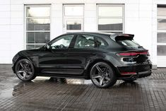 Tuning package for Porsche Macan Facelift. In contrast to the previous version, absolutely all parts of the updated body kit are made by vacuum molding from carbon and kevlar. Porsche 2020, Best Cars For Women, Porsche Panamera Turbo, Wide Body Kits, Oasis, Luxury Suv, Top Cars, Car Tuning, Side Door