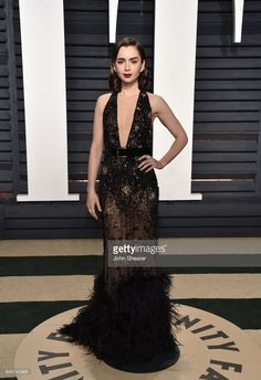 Actress Lily Collins attends the 2017 Vanity Fair Oscar Party hosted by Graydon Carter at Wallis Annenberg Center for the Performing Arts on February 26, 2017 in Beverly Hills, California.  (Photo by John Shearer/Getty Images)