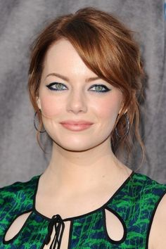 Emma Stone at the 2012 Critics' Choice Awards. http://beautyeditor.ca/2016/03/09/best-makeup-for-redheads