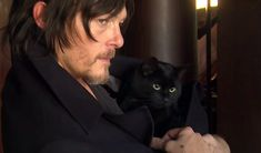 8 Reasons Why Every Cat Lady Should Fall in Love With Norman Reedus | Cat Lady Confidential Celebrities With Cats, Celebs, Norman Reedus Cat, Men With Cats, Black Cat Eyes, Black Cats, Black Kitty, Cat Watch, Cat People