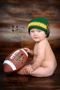 Just with patriot colors Baby Boy Pictures, Baby Photos, Family Photos, Children Photography, Newborn Photography, Six Month Baby, Baby Boy Football, Baby Sitting, Football Themes
