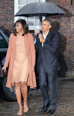 d1c2c5406a7 First Lady Michelle Obama and US President Barack Obama arrive for a dinner  with Prince William