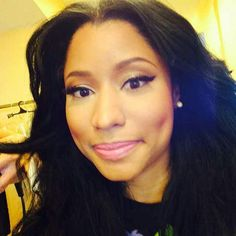 See The Nicki Minaj Natural Hair Pics Everyone Is Going Crazy Over ...