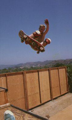 Skateboard Videos, Skateboard Decks, Old School Skateboards, Skate And Destroy, Complete Skateboards, Skate Style, Skate Surf, Cute Couple Videos, Bmx Bikes