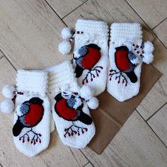 Crochet Gloves, Knit Crochet, Crochet Baby Sweaters, Crochet Fashion, Crochet For Kids, Mitten Gloves, Crochet Designs, Knitting Projects, Knitting Socks