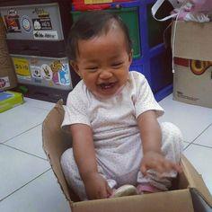 Apapun.... yang penting kamu bahagia nak... #baby #Gracelin #moment #photooftoday #myphoto #mybaby #happy