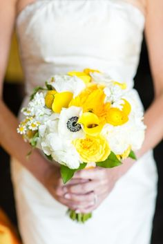 Yellow & White bridal bouquet // http://www.theknot.com/submit-your-wedding/photo/3ecfd46e-7fee-4597-89d6-cd39d01827ea/Claire-and-Law-Lakeway-Resort-and-Spa-Austin-Texas