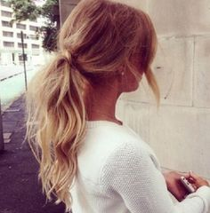 Cute low pony tail, ombré, curls, teased