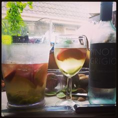 Photo by grahamwarsap White Wine Sangria, Peach Schnapps, Graham, Alcoholic Drinks, Instagram Posts, Food, Essen, Liquor Drinks, Meals