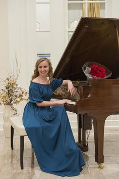 """Russian Artist Inspires a """"New Year and New Dreams"""" at the Scientology Information Center    On Saturday, January 14th Elmira Terkulova, a Russian Scientologist and classical pianist, in Clearwater for Scientology Services, entertained guests from all over the U.S. and Russia at the Scientology Information Center in Downtown Clearwater.    Ms. Terkulova not only shared her music but also challenged the audience to, """"Flourish and prosper"""" and """"Be Competent"""" for the New Year.    """"These…"""
