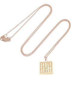 Elegante #collar forma cuadrada y #circonitas incrustadas elaborado en #plata de ley y baño de #oro 🌟