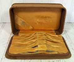 Vintage Satin Jewelers Box  Jewelry Presentation by DivineOrders, $11.00