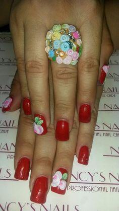 Refill de uñas naturales con acrilico cristal, esmaltado semipermanente en color coral y red stars de mia secret, decoracion en 3d white y neon pink, green y verdant