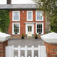 Exterior | Step inside this Victorian manor house in Essex | House tour | PHOTO GALLERY | 25 Beautiful Homes | Housetohome.co.uk
