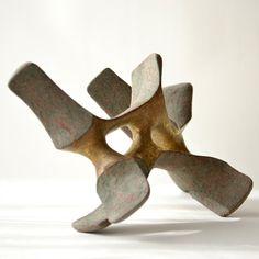 "Istvan Hollo: ""Stability"" 2015. Chamotte clay, engobe, glaze, gold. 39x20x18cm"
