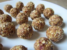 Caramel Rice Cake No Bake Balls3 (40g) Quaker Caramel Corn Rice Cakes 1/3 cup (30g) whole rolled oats 1 cup (150g) packed Medjool dates 1-2 tablespoons nut butter