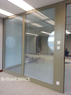Glass System Wall 怡和大廈 (厚框雙層清玻璃屏風-內置百葉 Double Clear Glass Panel with blind) 5