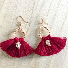 Adding new colour to the collection- handmade statement earrings - maroon tassel w rose gold 😍💕#nomassproduction #rosegoldlover #alwayssomethingnew  .  .  #handmadejewellery #rosegoldplated #tasselearrings #rosegoldearrings #madeinsouthaustralia #adelaide #southaustralia #market #plant4bowden #gillesstmarkets #style #imade #idesign #icreate #lovewhatido #dowhatilove #passion #fashion #gift #uniquegifts #etsyseller #unique #etsyau