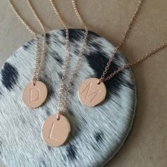 Personalised rose gold disk pendants with engraved initials Gold Initial Pendant, Initial Disc Necklace, Gold Necklace, Personalised Jewellery, 18k Gold, Initials, Rose Gold, Pendants, Classic