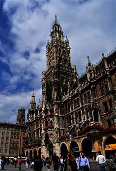 28/08/2014 - Hoy nuestra foto nos lleva hasta la capital bávara, Munich con su increíble centro histórico gracias a la viajera Emma C Díaz.