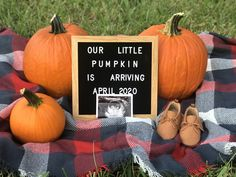 October Pregnancy Announcement, Pumpkin Pregnancy Announcement, Pregnancy Announcement Pictures, Cute Baby Announcements, Second Pregnancy, Baby Planning, Baby In Pumpkin, Gender Reveal, New Baby Products