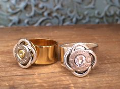 I freaking love this! Bullet Ring, Bullet Art, Bullet Jewelry, Shotgun Shell Jewelry, Shotgun Shells, Bullet Crafts, Sporting Clays, Celtic Knot Ring, Shell Crafts