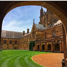 From our friends at Sydney  @sydney_uni - Blue skies and sandstone. Hello 2017! #Photo by  @chloeinaustralia #goviewyou