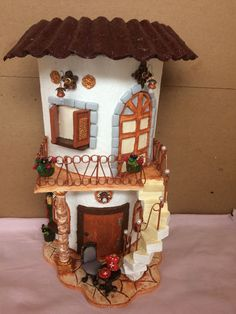 teja casa Biscuit, Jumping Clay, Pot Lights, Tile Crafts, Clay Mugs, Play Clay, Clay Tiles, Fairy Houses, Dream Garden
