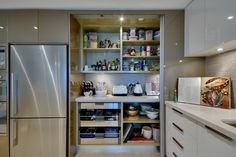 Need this pantry!