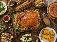 Click here to see a thanksgiving dinner menu on GLW! Fun thanksgiving dinner ideas hosting and thanksgiving dinner ideas side dishes. This menu contains easy impressive thanksgiving desserts, as well as thanksgiving side dishes make ahead healthy ideas. Best thanksgiving dinner ideas meals. Yummy thanksgiving dinner ideas easy. Delicious thanksgiving dinner ideas families and of course thanksgiving dinner ideas for kids. #thanksgiving #dinner #holidays Classic Thanksgiving Menu, Thanksgiving Countdown, Thanksgiving Lunch, Charlie Brown Thanksgiving, Best Thanksgiving Recipes, Thanksgiving Side Dishes, Holiday Recipes, Dinner Recipes, Dinner Ideas