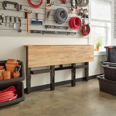 Kids Woodworking Projects, Woodworking Bench, Woodworking Shop Storage Ideas, Diy Projects Garage, Woodworking Square, Woodworking Machinery, Woodworking Techniques, Wood Top Workbench, Folding Workbench