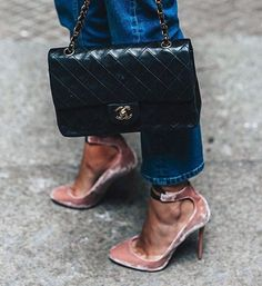 Stretstyle details. #streetstyle #inspiration #jimmychoo #pumps #velvet #pink #ribbons #chanel #chanelbag #black #classic #instalike #instadaily #fashion #fashionable #fashionista #style #styling #stylisth#trendy #chic #casuslchic #denim #instashoes #shoeporn #instabags #awesome