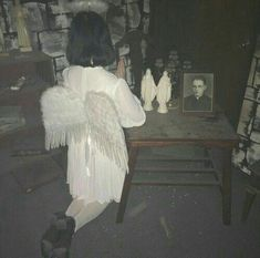 Angel After Dark. Top Gothic Fashion Tips To Keep You In Style. Consistently using good gothic fashion sense can help Angel Aesthetic, Aesthetic Grunge, Aesthetic Photo, Aesthetic Girl, Grunge Wallpaper, Arte Emo, Lila Baby, Grunge Photography, Creepy Cute