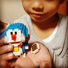"18 mentions J'aime, 1 commentaires - Kosuke Akimoto (@kosukeakimoto7) sur Instagram: ""ダイソーのプチブロックは全部作ったので新しいシリーズ #3兄弟 #長男坊 #6歳 #カワダ  #ナノブロック #nanoblock  #ドラえもん  #世界最小級ブロック"""