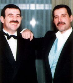 Net Image: Freddie Mercury and Jim Hutton: Photo ID: . Picture of Jim Hutton and Freddie Mercury - Latest Jim Hutton and Freddie Mercury Photo. Queen Freddie Mercury, Jim Hutton Freddie Mercury, Freddie Mercury Last Photo, Freddie Mercury Boyfriend, Freedy Mercury, Freddie Mercuri, King Of Queens, La Face, We Are The Champions