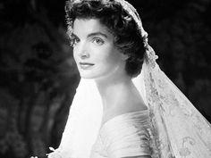 Jackie Kennedy famous dresses | jack f kennedy jackie kennedy