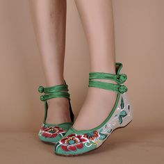 Big Size Women Mary Janes Chinese Embroidered Flower Flat Shoes Linen Loafers