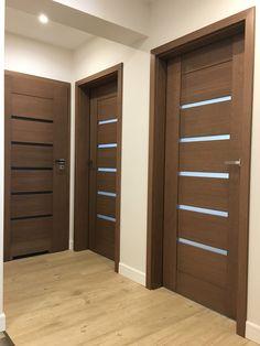 Small House Interior Design, Door Design Interior, Home Room Design, Modern House Design, Bungalow Haus Design, Modern Bungalow House, Wooden Front Door Design, Garage Door Design, Flur Design