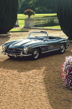 1957 Mercedes-Benz 300SL Roadster | R198 | Sport Leicht or Sport Light | 2nd Benz SL-Klasse Grand Tourer Convertible | 3.0L Straight 6 215hp | Top Speed 250 kph 155 mph | 1858 units were produced...