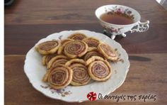 rolls of cinnamon Sweets Recipes, Cooking Recipes, Desserts, 4 Ingredient Recipes, 4 Ingredients, Tea Time, Waffles, French Toast, Rolls
